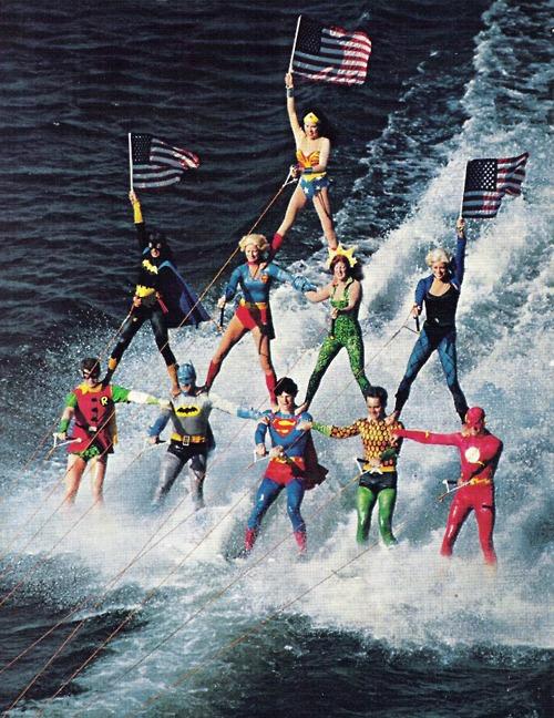 Justice League auf Wasserskiern